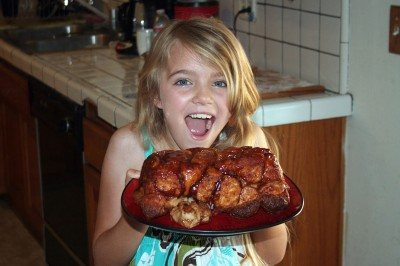 Amara and the hot monkey bread