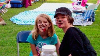Amara and the face painter