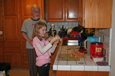 Amara shows Grampy how to make Aliens